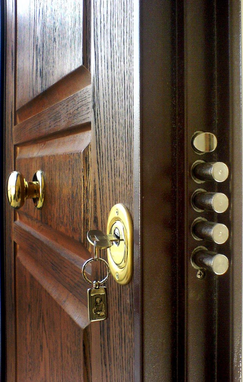 attrezzatura per aprire porte blindate Porte blindate in attrezzature da lavoro vendo pannelli per porte blindate di aprire ogni tipo di porta e serratura senza danneggiare i meccanismi.